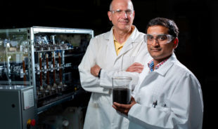 Iowa State researchers studying slow-release fertilizer to feed crops, improve water quality